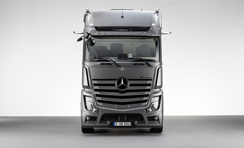 Picture 2 - Actros