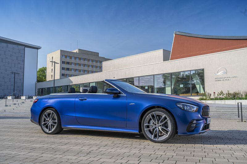Picture 1 - Mercedes-AMG E 53 4MATIC+ Cabriolet, designo brilliant blue magno