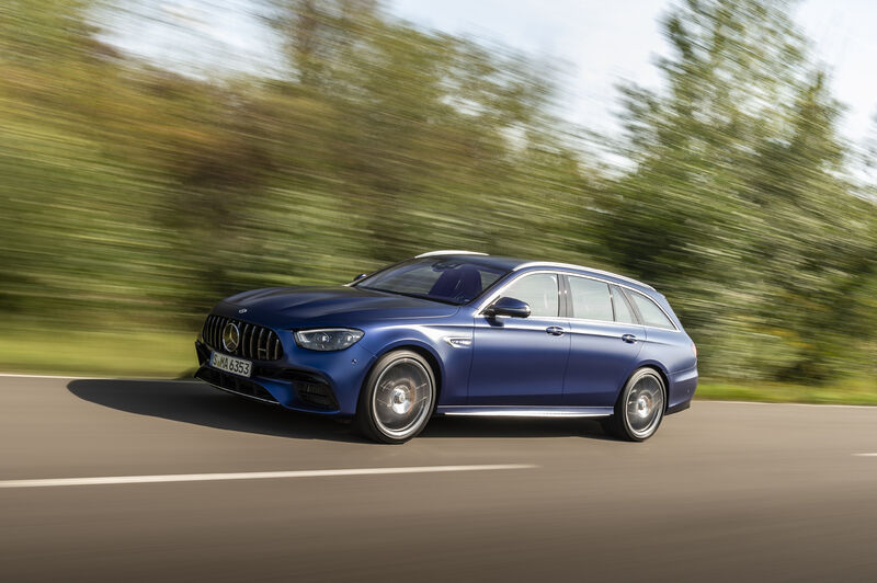 Picture 3 - Mercedes-AMG E 63 4MATIC+ T-Modell - designo brilliant blue magno